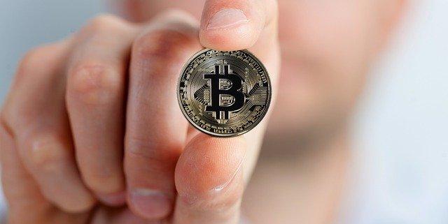 bitcoin-2643160_640