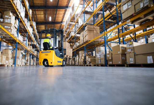 warehouse-man-worker